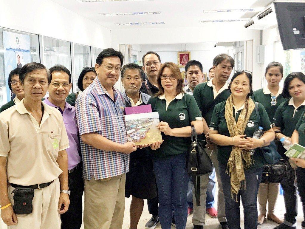 21 กุมภาพันธ์  2561ตอนรับคณะเวิร์คช็อปจากเอ็มโร่เอเชียจากประเทศฟิลิปปินส์ มาศึกษาดูงานการจัดการขยะที่ศูนย์รีไซเคิลขยะชุมชนพบสุข